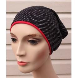 Sommermütze Damen Beanie Schwarz Rot aus Jersey zum Wenden genäht. Eine Partnerlook-Mütze für Mädchen finden Sie im Shop.