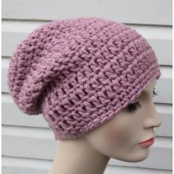 Beanie Mütze Damen Altrosa zauberhaft für den Winter aus Wolle gehäkelt. Einen Loop, ein Stirnband und ein Winterset im Shop.