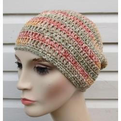 Häkelmütze Damen 70er Jahre Look als Beanie in blassen Farben für den Sommer gehäkelt. So schön.