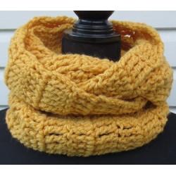 Herren Schal Winter Senf Gelb aus dicker Wolle gehäkelt. Toller Strick Loop. Farbe nach Wunsch.