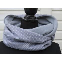Winterschal Damen Grau Punkte aus Baumwolle Fleece als Loop genäht. Farbe, Variante als Loop oder zum Knoten.