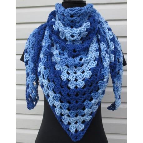 Häkeltuch Winter wunderschön in Blau Color aus toller Wolle. Liebevolle Handarbeit. 9 Farben nach Wunsch