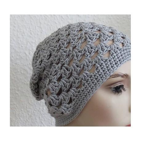 Sommermütze Damen Beanie Grau aus Wolle gehäkelt. Modisch als Long. Handmade. 13 Farben, KU 54-62 cm