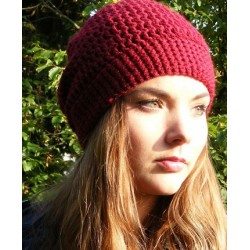 Damen Mütze Bordeaux zeitlos mit Umschlag gehäkelt. Kann man auch als Beanie tragen. Farbe, KU 54-62