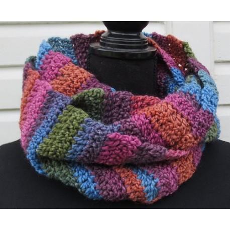 Loop Schal Damen Winter Bunt aus schöner Wolle gehäkelt. Einfach schön. Handarbeit. Farbe, 2 Längen nach Wunsch.