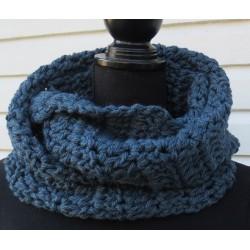 Häkelschal Männer Jeansblau als Loop aus Wolle gehäkelt. Liebevolle Handarbeit. Farbe gerne nach Wunsch.