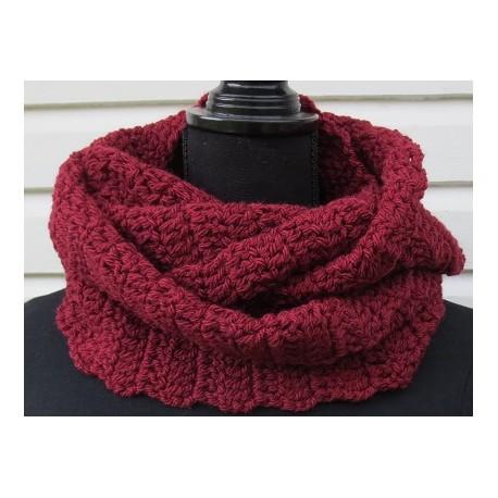 Wollschal Damen Winter Loop Bordeaux Rot kuschelig gehäkelt. Beanie im Shop. Handarbeit. Farbe nach Wunsch.