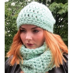 Wintermütze Damen Mint aus dicker Wolle gehäkelt. Kuschelig warm. Loop im Shop. Handmade. Farbe, KU 54-62 nach Wunsch.