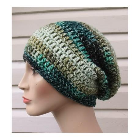 Wintermütze Damen Grün Long Beanie aus Wolle gehäkelt. Toller Farbverlauf. Handarbeit. Farbe, KU 54-62 nach Wunsch.