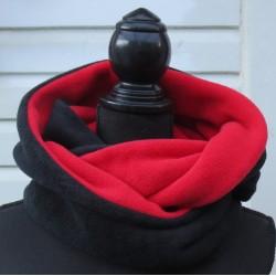Schlauchschal Damen Rot Schwarz kuschelig aus Fleece genäht. Auch zum Knoten. Mützen im Shop. Farben nach Wunsch.