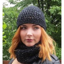 Damen Mütze Winter Schwarz mit Glitzer aus Wolle gehäkelt. Handarbeit. Angebot eine Haube. KU 54-62 nach Wunsch.