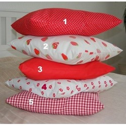 Kissen Set Landhaus Rot fröhlich und witzig genäht. Hübsch. Angebot beinhaltet 2 Bezüge ohne Inlett. 40x40, 45x45 nach Wunsch.