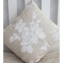 Kissen Landhausstil Beige wunderschön mit Rosen genäht. Angebot beinhaltet einen Bezug ohne Inlett. 40x40, 45x45 nach Wunsch.