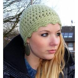 Damen Mütze Grün romantisch aus Wolle gehäkelt. Zauberhaft. Handarbeit. Farbe, KU 54-62 cm nach Wunsch.